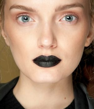 Tendenze makeup: gothic o disco?